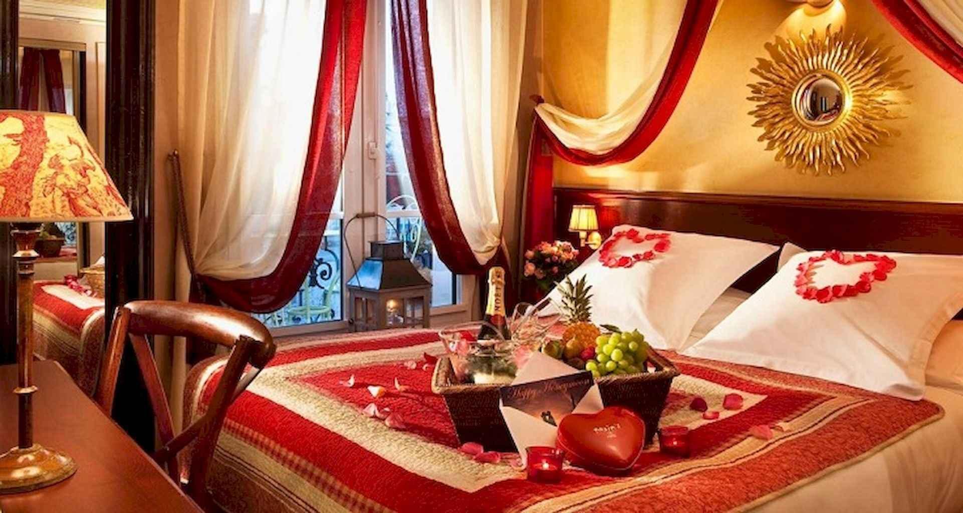 50 Romantic Valentine Bedroom Decor Ideas (18)