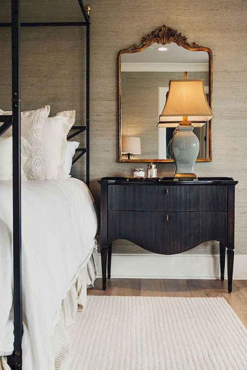 50 Stunning Vintage Apartment Bedroom Decor Ideas (5)