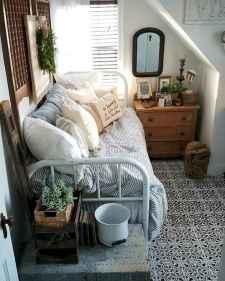 50 Stunning Vintage Apartment Bedroom Decor Ideas (8)