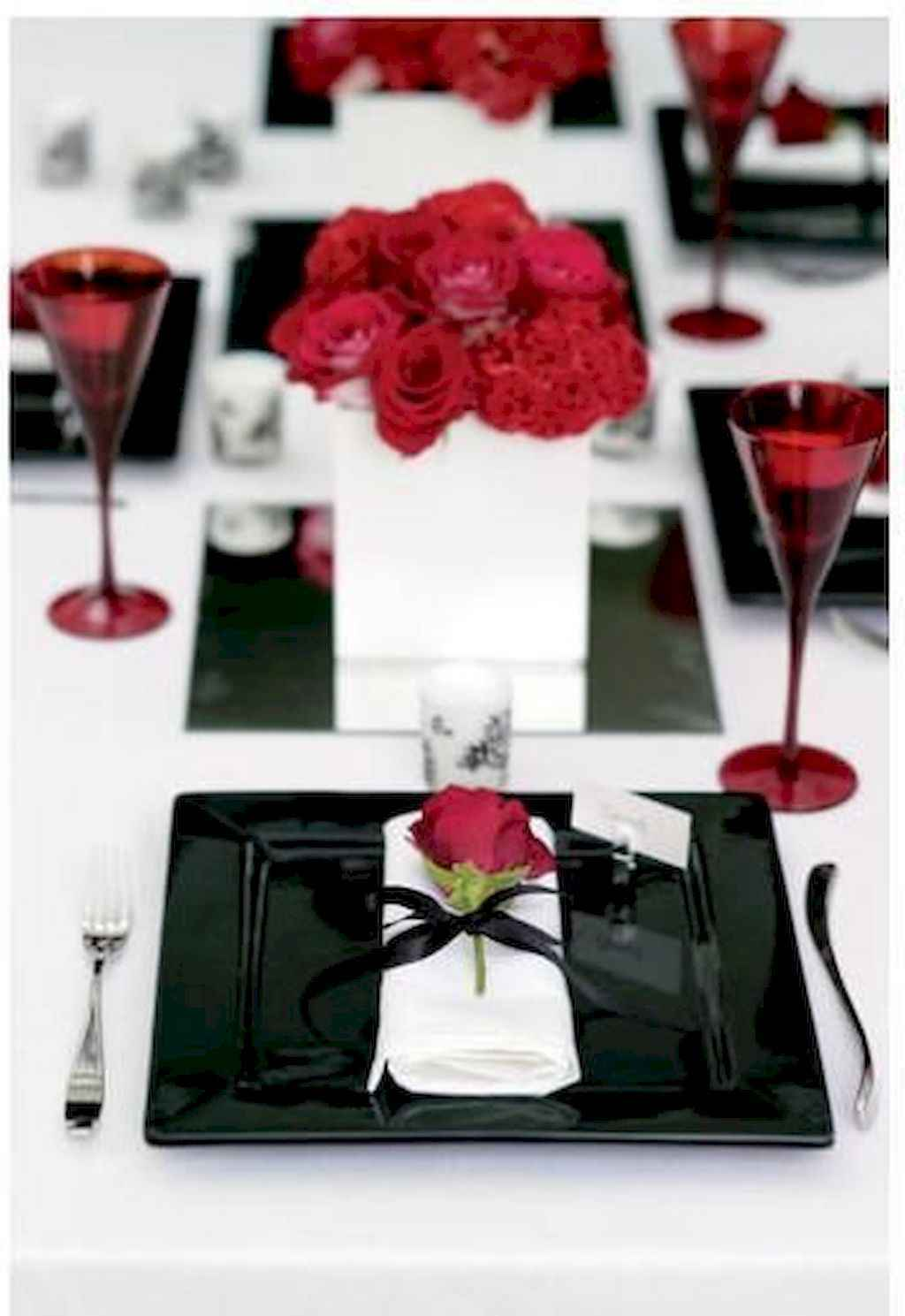 66 Romantic Valentines Table Settings Decor Ideas (46)