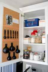 70 Surprising Apartment Kitchen Organization Decor Ideas (49)