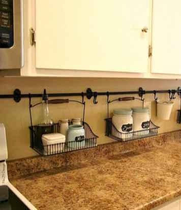 70 Surprising Apartment Kitchen Organization Decor Ideas (59)