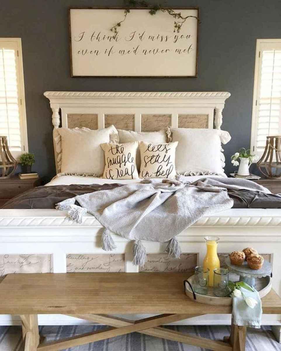 100 Stunning Farmhouse Master Bedroom Decor Ideas 28