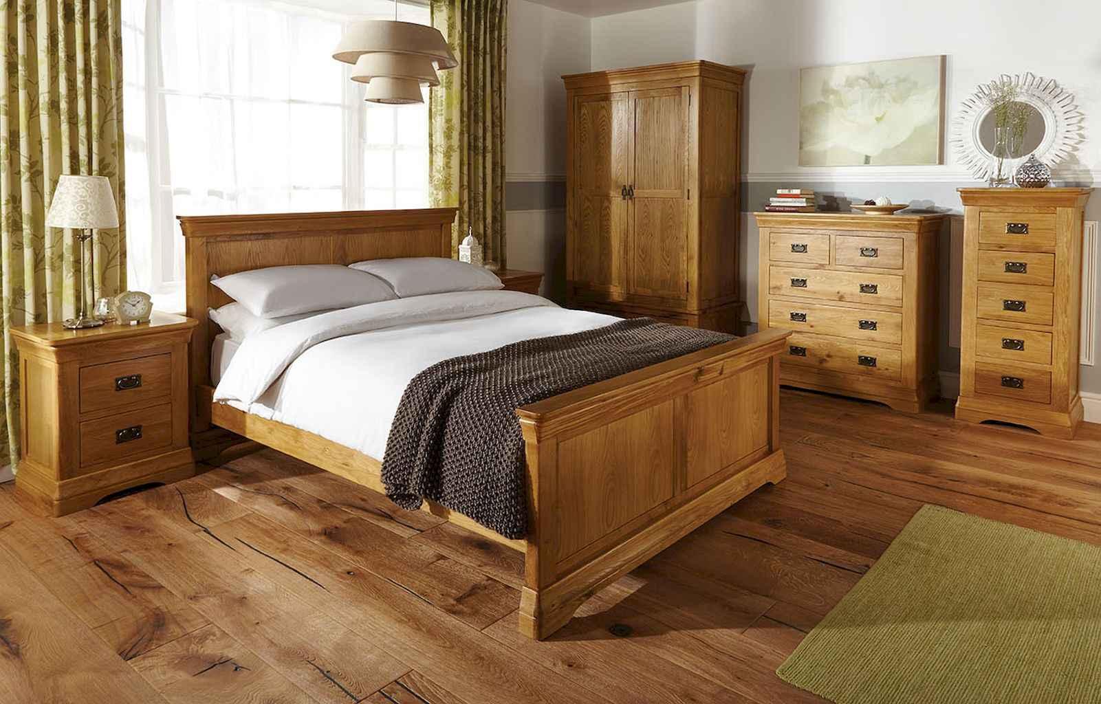 100 Stunning Farmhouse Master Bedroom Decor Ideas (72)