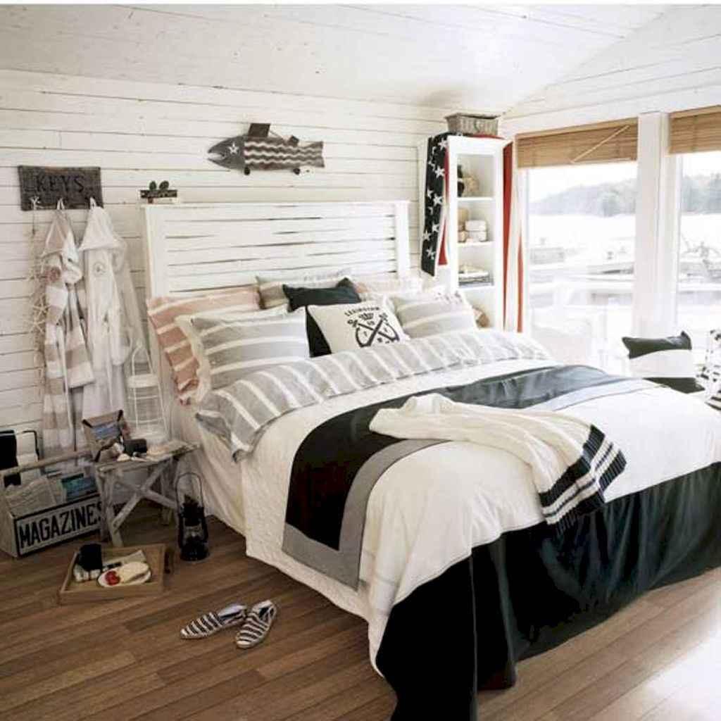 100 Stunning Farmhouse Master Bedroom Decor Ideas (76)