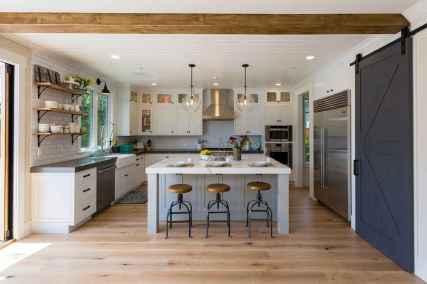 110 Amazing Farmhouse Kitchen Decor Ideas (73)