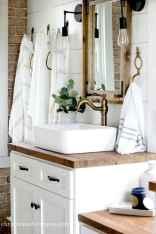 110 Best Farmhouse Bathroom Decor Ideas (132)