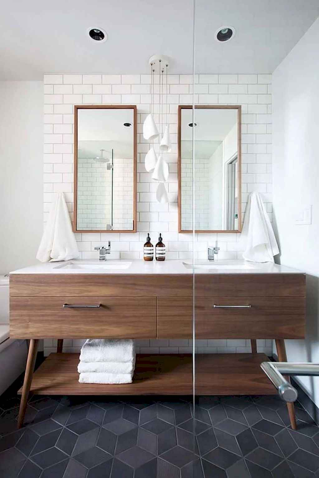 111 Brilliant Small Bathroom Remodel Ideas On A Budget (93)