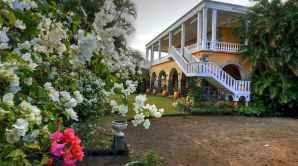 80 Amazing Plantation Homes Farmhouse Design Ideas (47)
