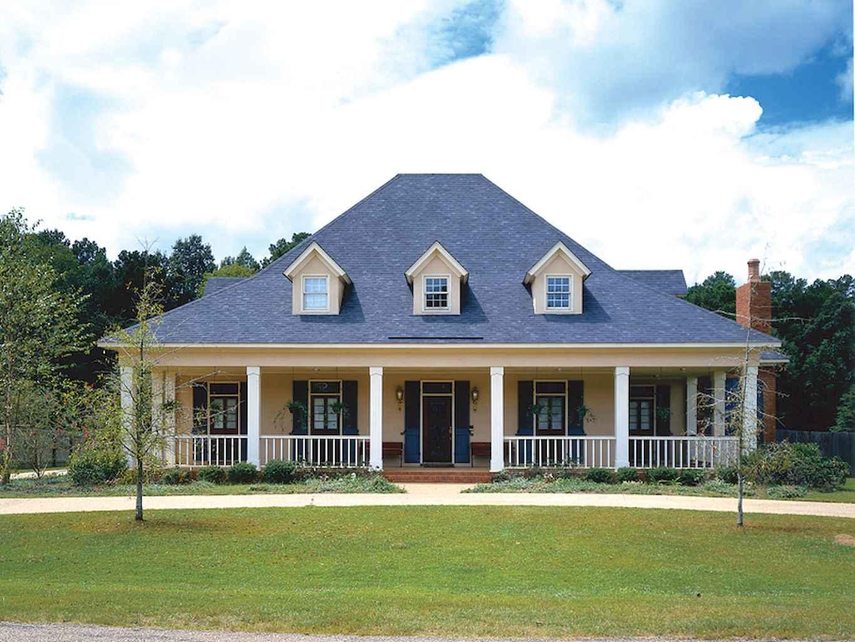 80 Amazing Plantation Homes Farmhouse Design Ideas (7)