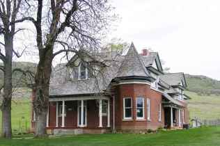 80 Stunning Victorian Farmhouse Plans Design Ideas (20)