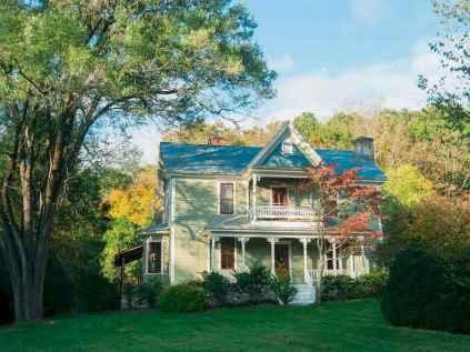 80 Stunning Victorian Farmhouse Plans Design Ideas (4)