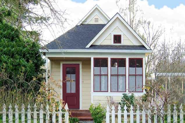 Best 25 Small Cottages Design Ideas (27)