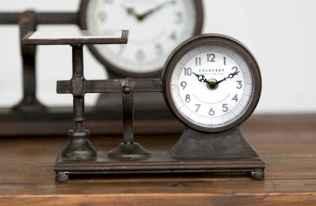 33 Best Industrial Farmhouse Clock Design Ideas (23)