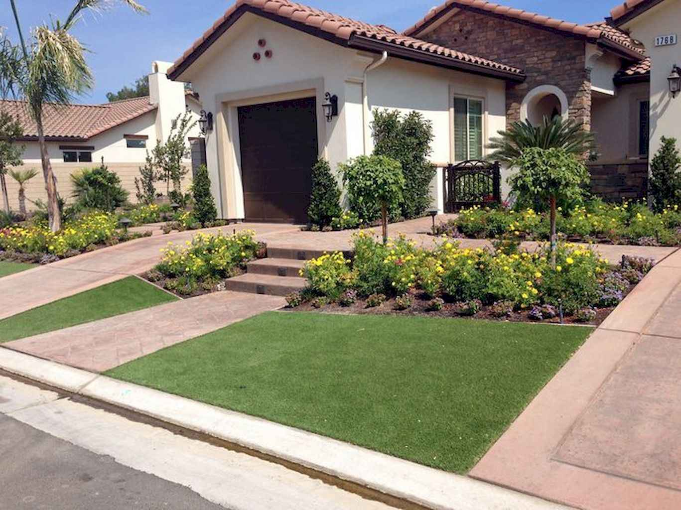35 Beautiful Frontyard Landscaping Design Ideas and Remodel (31)
