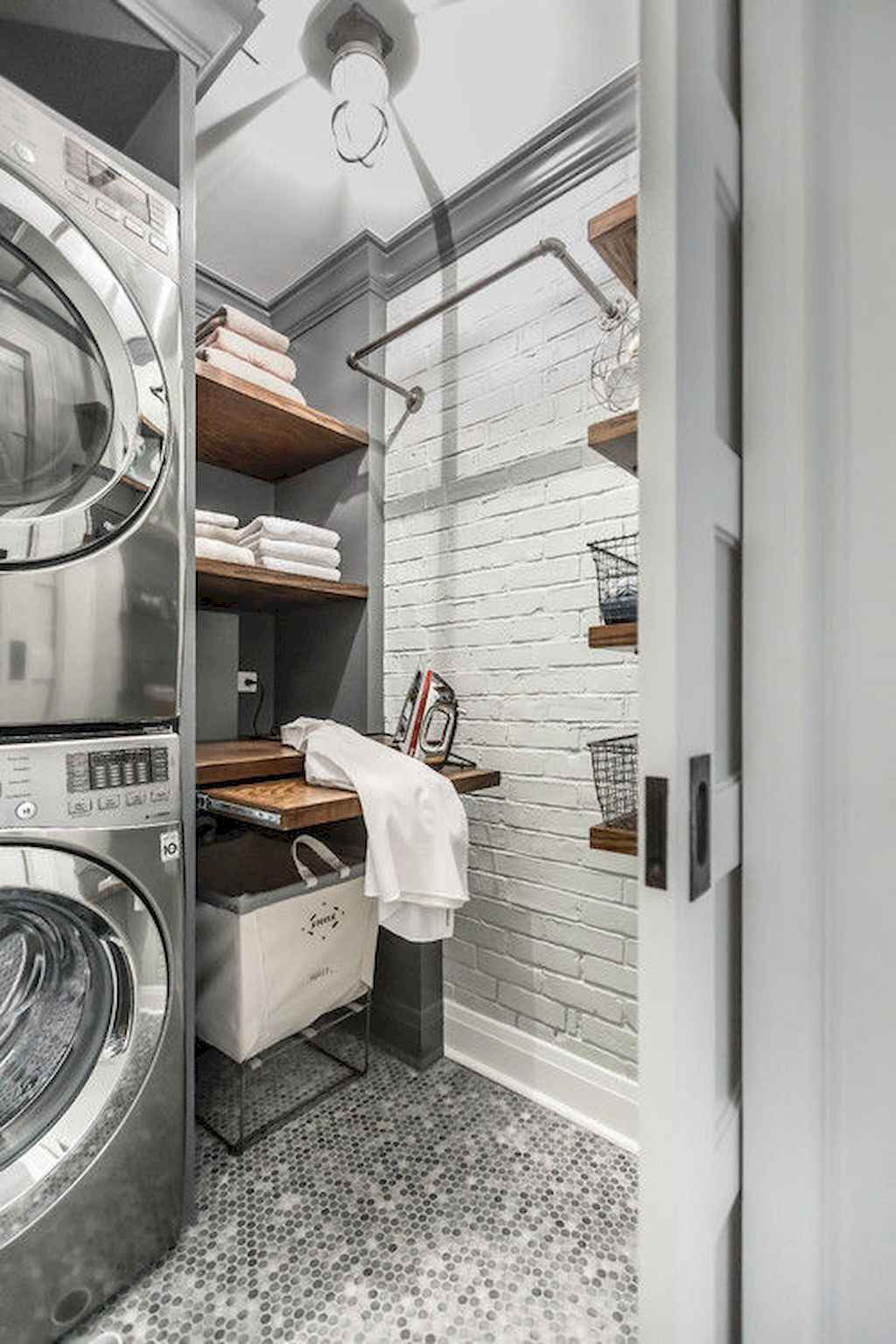 45 Rustic Farmhouse Laundry Room Design Ideas and Makeover (31)
