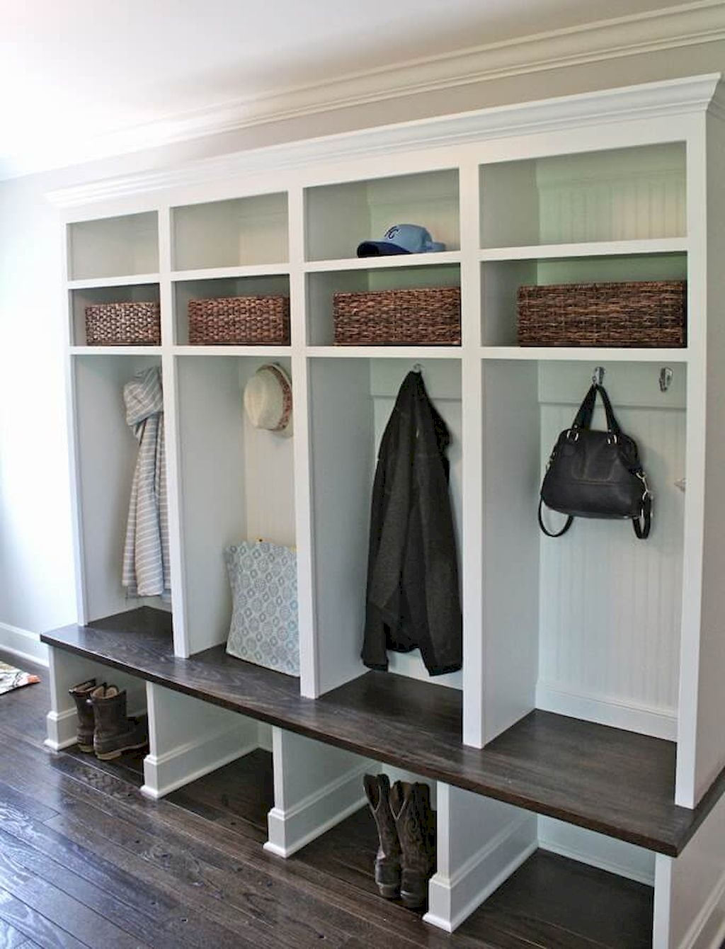 65 Cool Mudroom Design Ideas and Remodel (1)