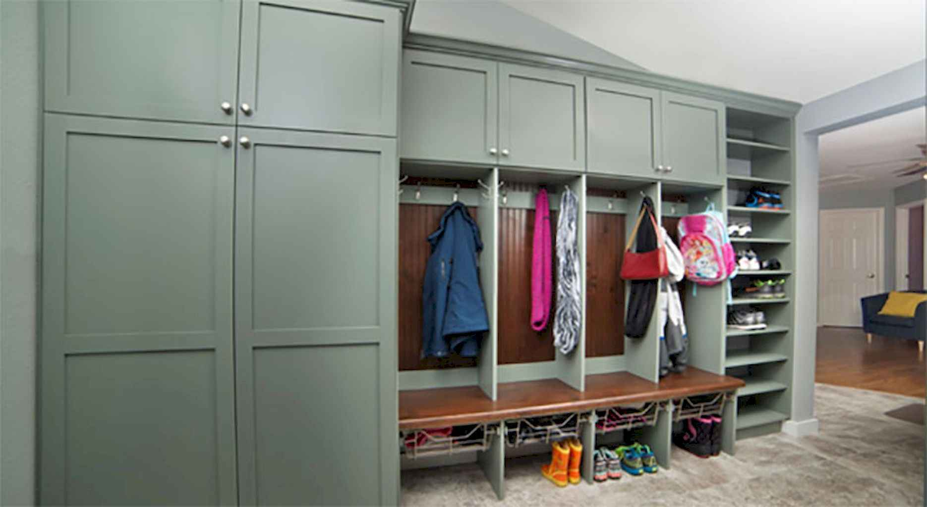 65 Cool Mudroom Design Ideas and Remodel (36)