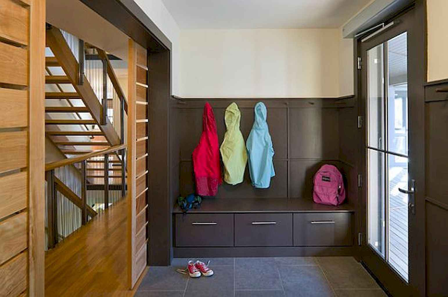 65 Cool Mudroom Design Ideas and Remodel (37)