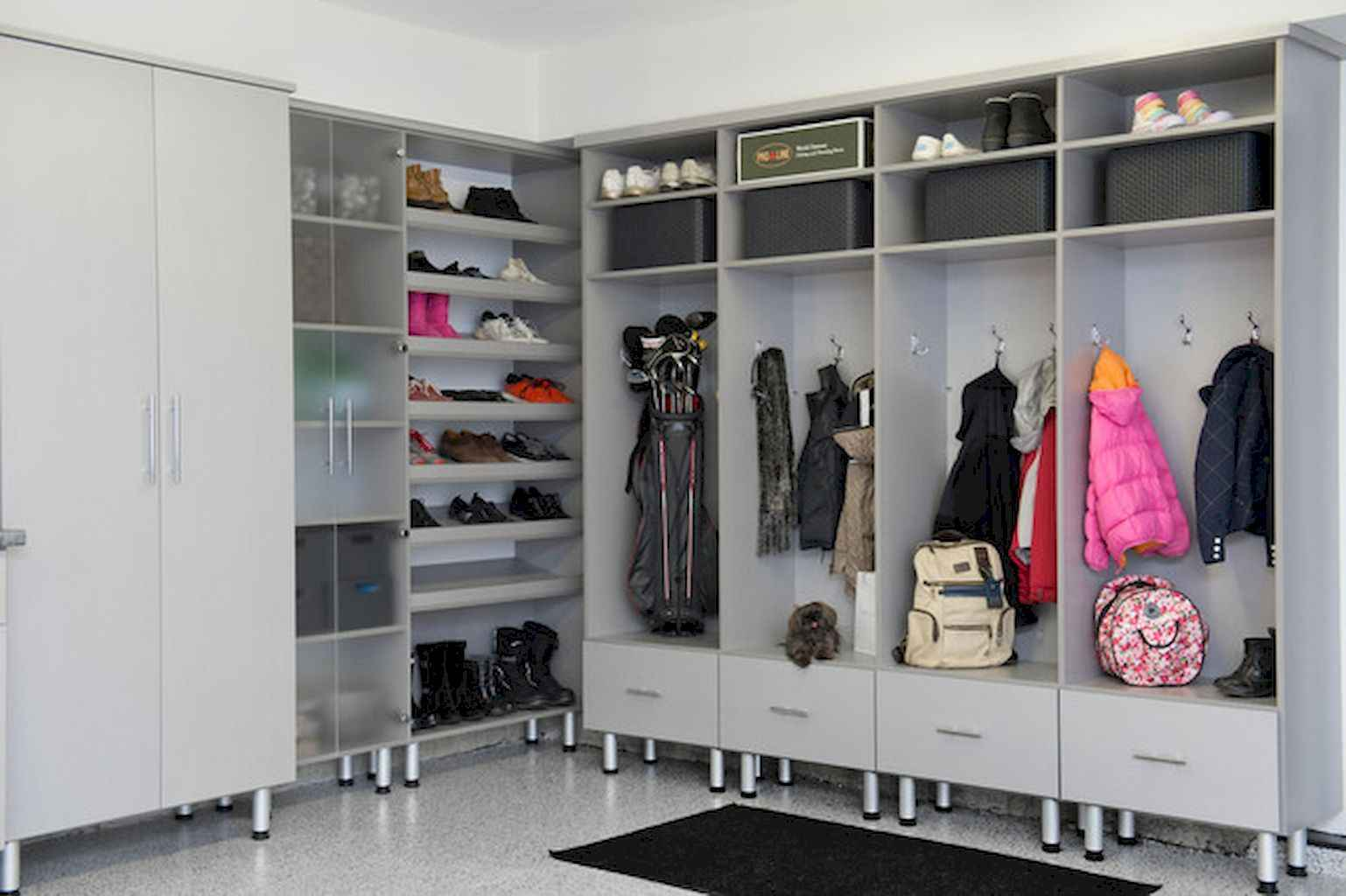 65 Cool Mudroom Design Ideas and Remodel (40)
