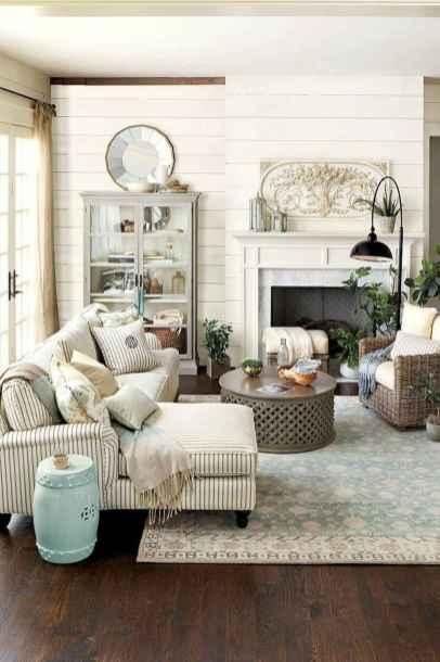 70 Rustic Farmhouse Living Room Decor Ideas (20)