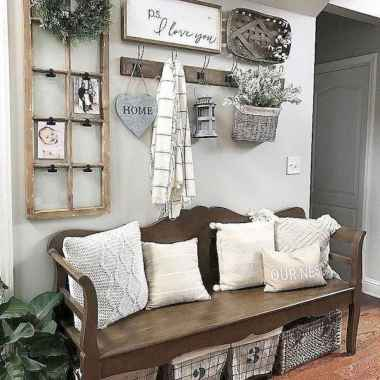 40 Stunning Farmhouse Entryway Decorating Ideas And Remodel (8)