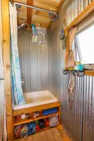 40 Stunning Tiny House Bathroom Shower Design Ideas And Remodel (38)