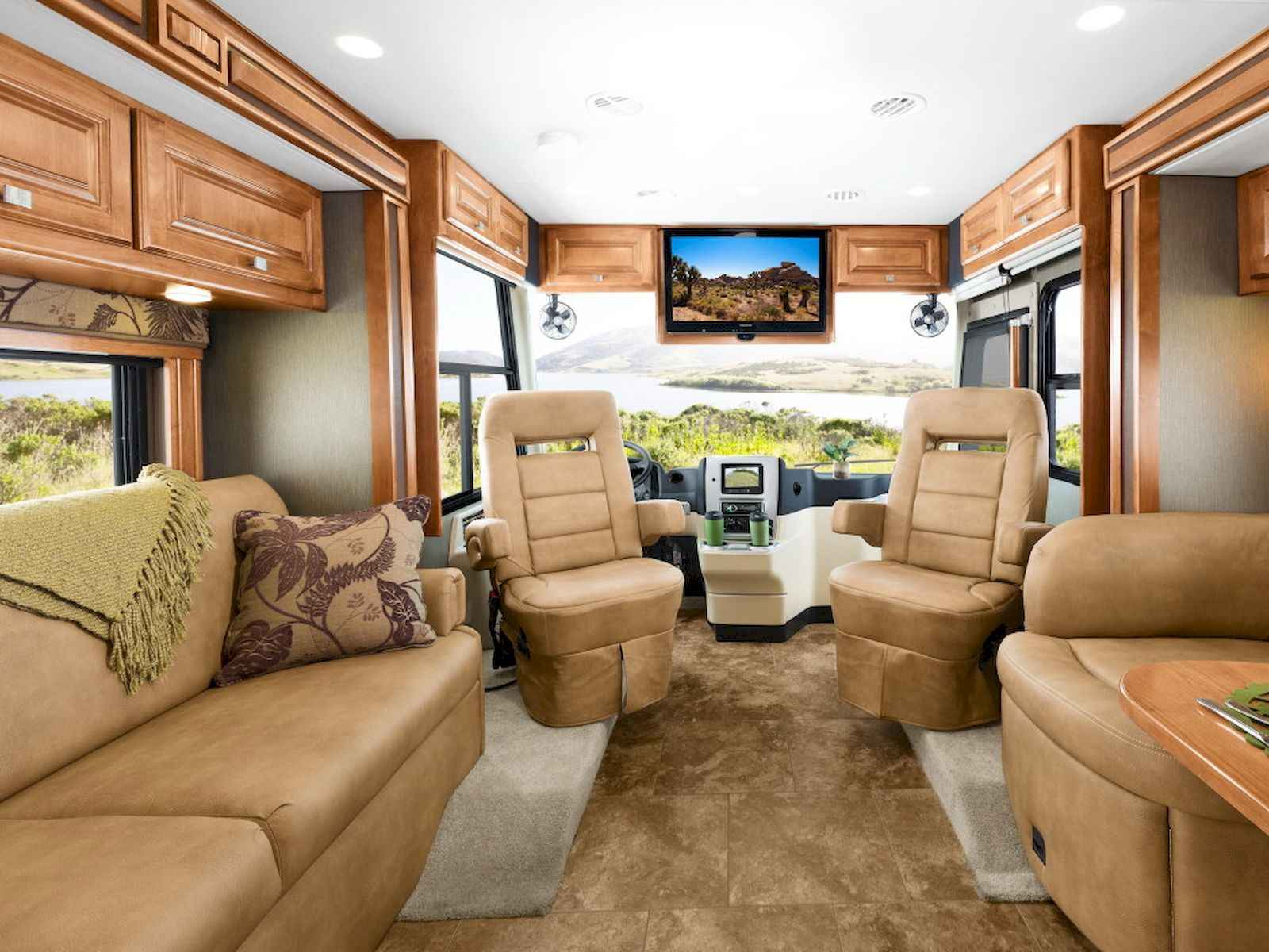 70 Stunning RV Living Camper Room Ideas Decorations Make Your Summer Awesome (15)