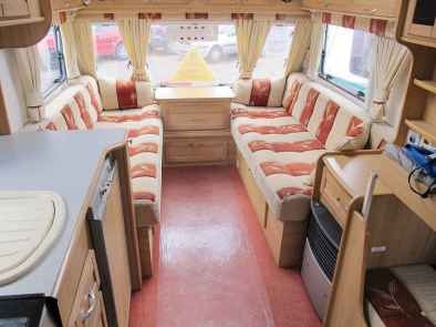 70 Stunning RV Living Camper Room Ideas Decorations Make Your Summer Awesome (18)