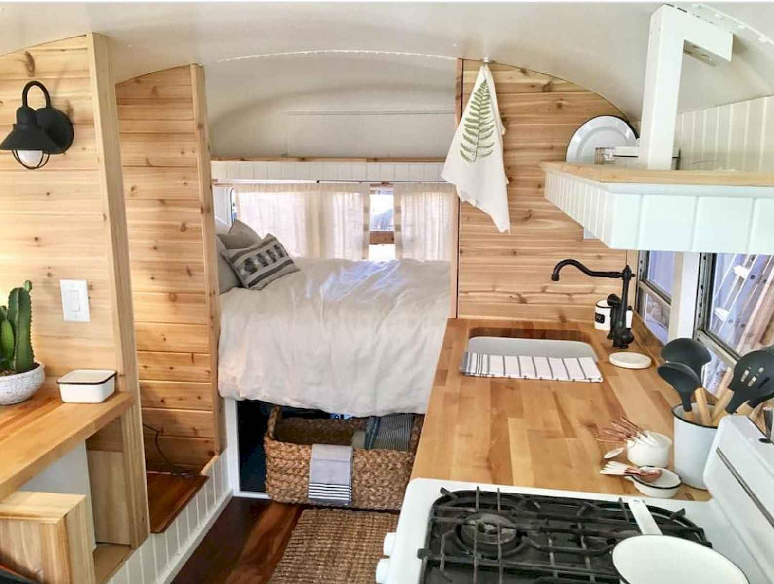 70 Stunning RV Living Camper Room Ideas Decorations Make Your Summer Awesome (24)