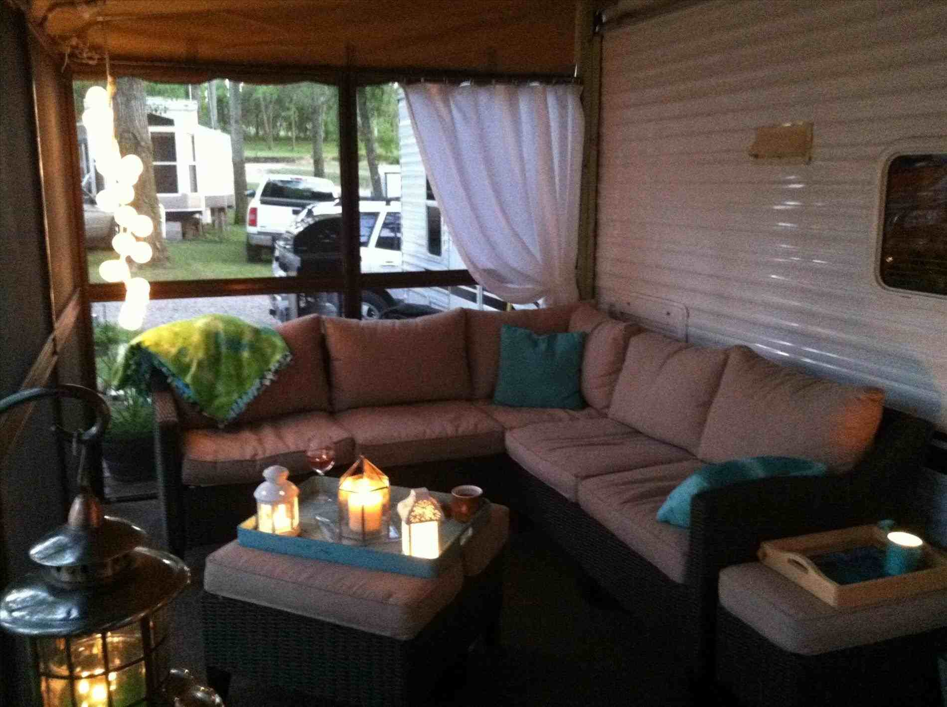 70 Stunning RV Living Camper Room Ideas Decorations Make Your Summer Awesome (31)