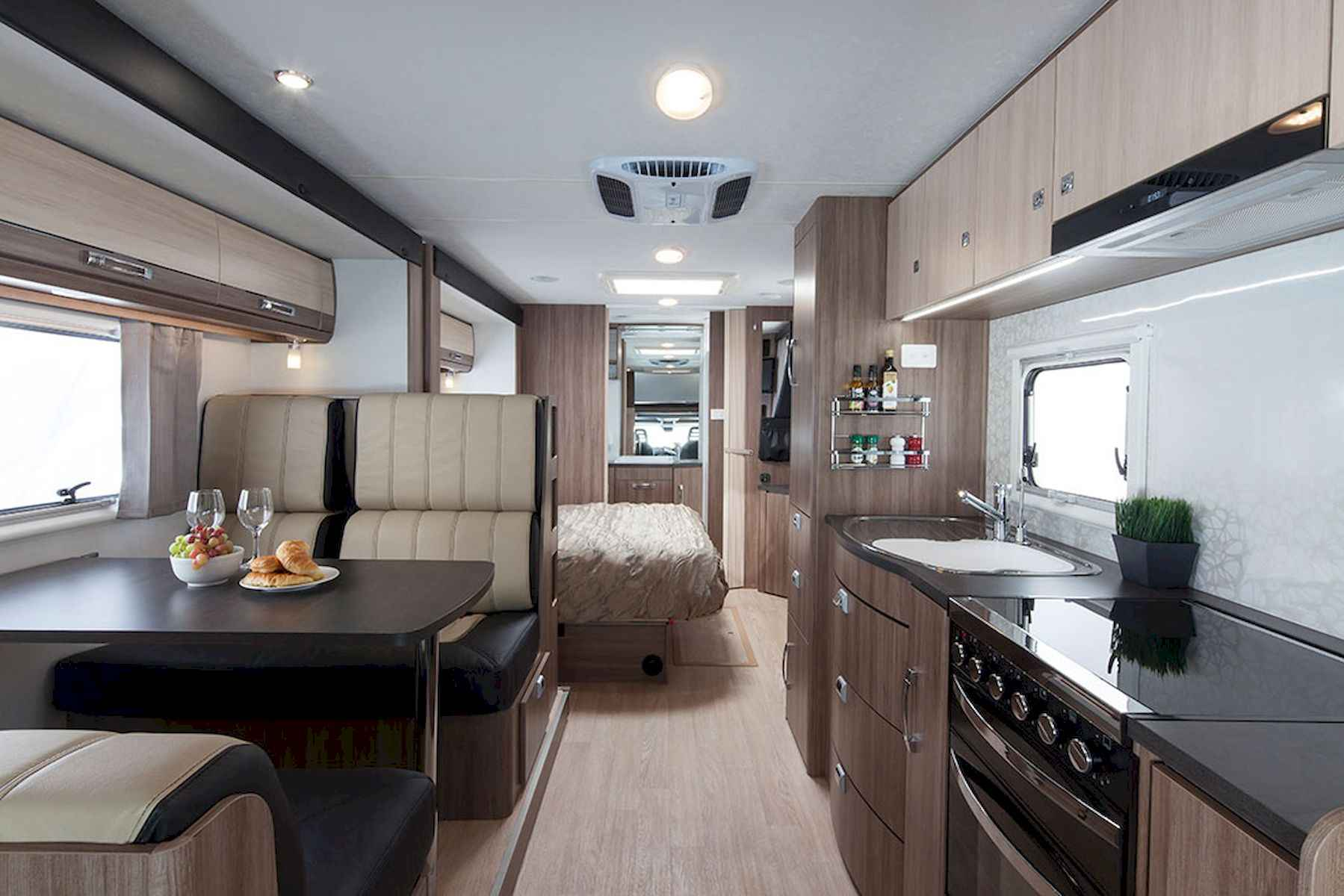 70 Stunning RV Living Camper Room Ideas Decorations Make Your Summer Awesome (45)