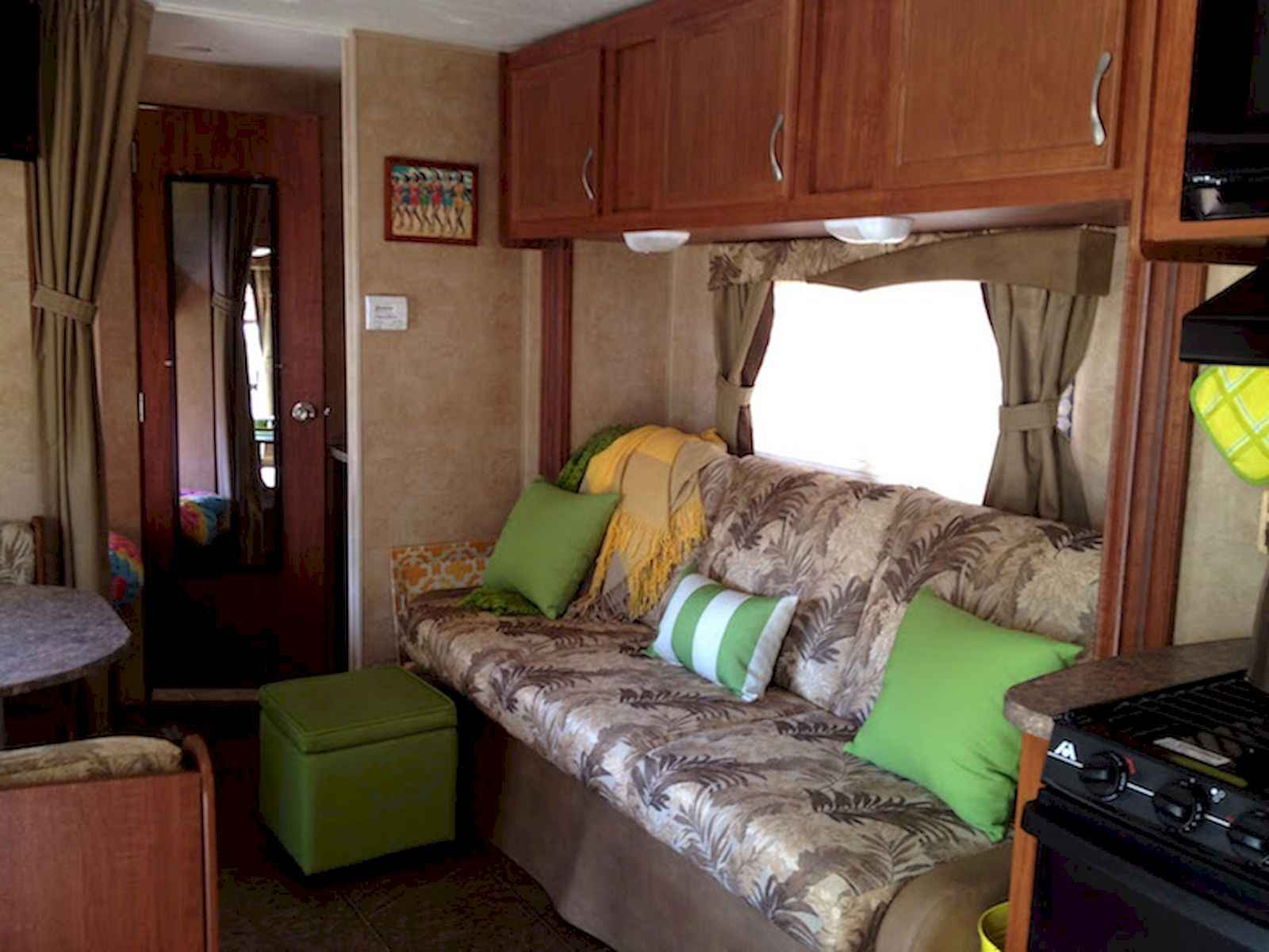 70 Stunning RV Living Camper Room Ideas Decorations Make Your Summer Awesome (51)