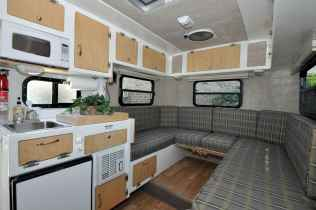 70 Stunning RV Living Camper Room Ideas Decorations Make Your Summer Awesome (60)