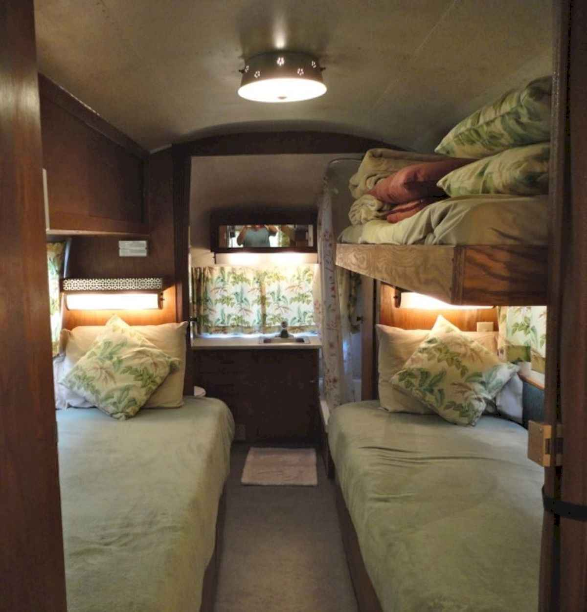 70 Stunning RV Living Camper Room Ideas Decorations Make Your Summer Awesome (8)