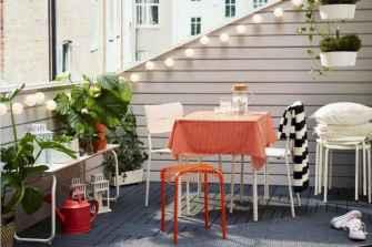 80 Small Apartment Balcony Decor Ideas And Makeover (17)