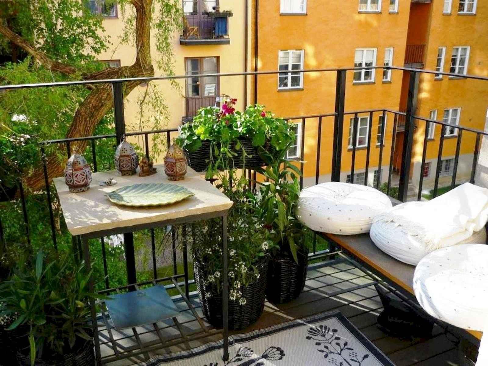80 Small Apartment Balcony Decor Ideas And Makeover (30)