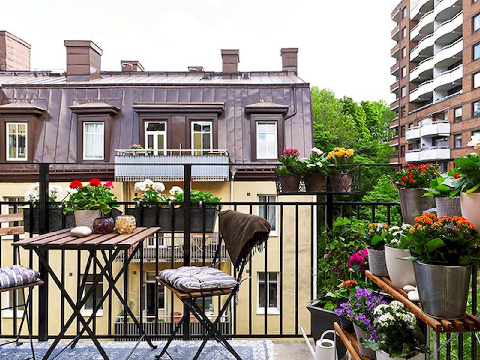 80 Small Apartment Balcony Decor Ideas And Makeover (33)