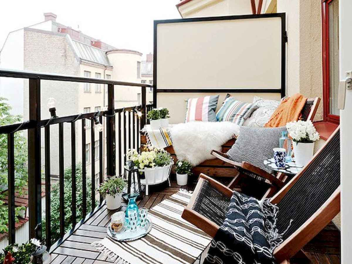 80 Small Apartment Balcony Decor Ideas And Makeover (52)
