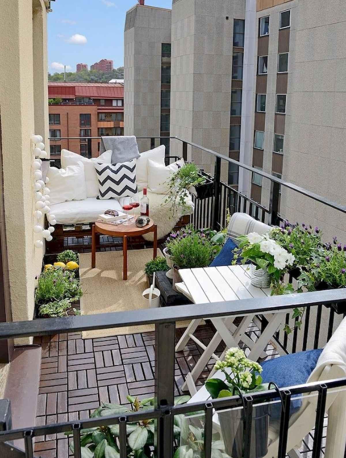 80 Small Apartment Balcony Decor Ideas And Makeover (69)