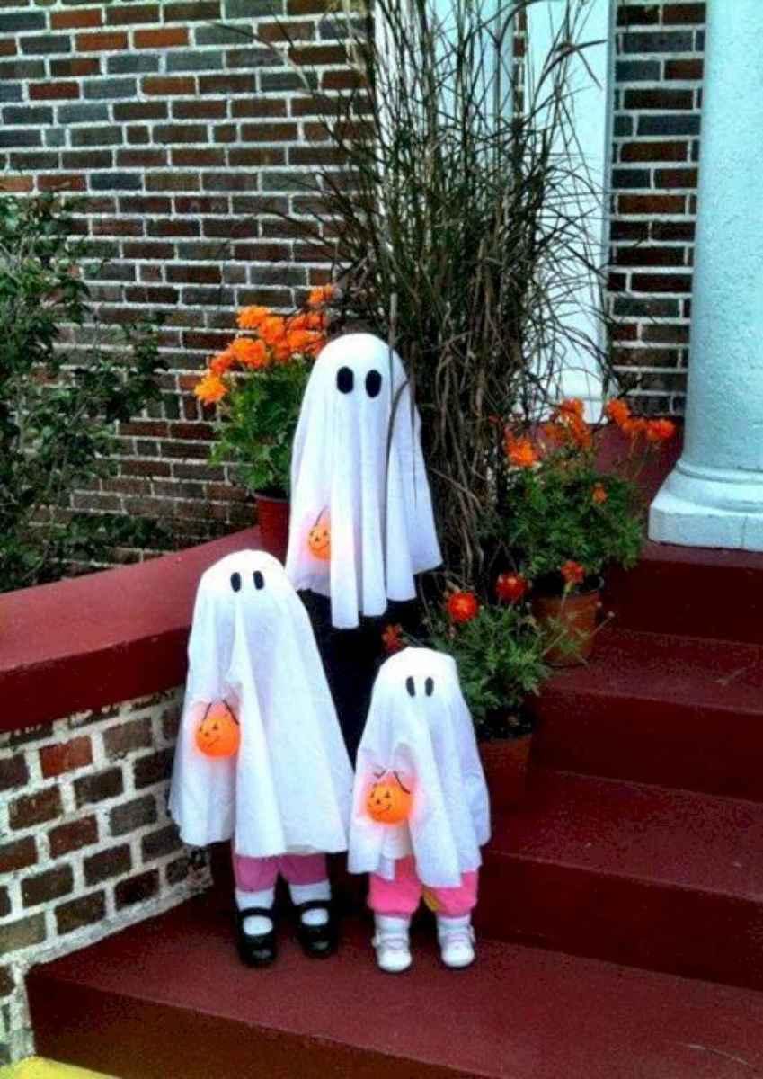 40 Creative DIY Halloween Ideas Decorations On A Budget (16)