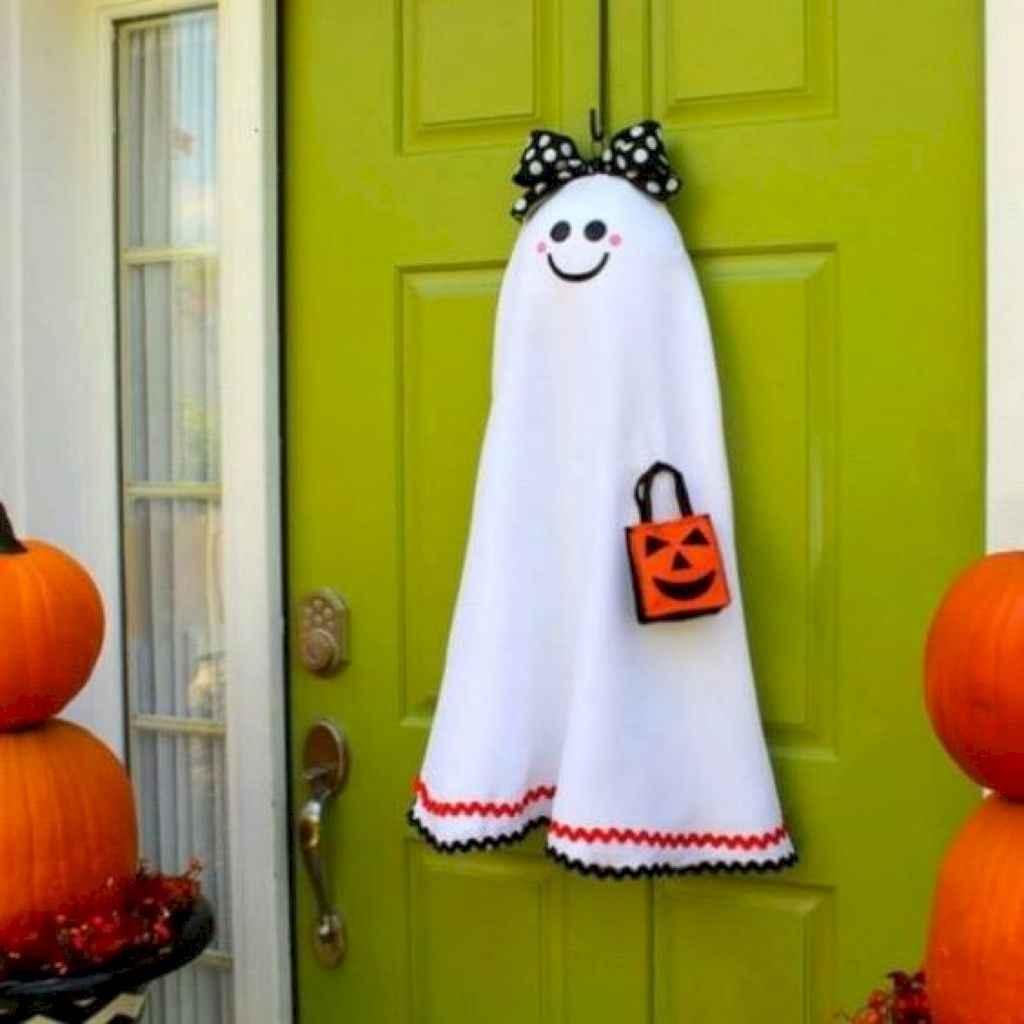 40 Creative DIY Halloween Ideas Decorations On A Budget (20)