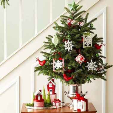 40 Creative and Easy Christmas Decorations for Your Apartment Ideas (35)