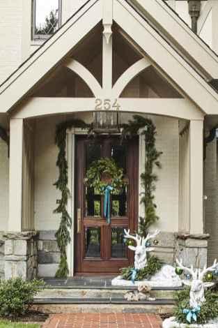 50 Creative Christmas Front Porch Decor Ideas And Design (17)