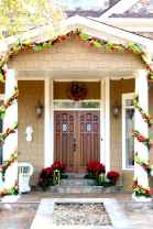 50 Creative Christmas Front Porch Decor Ideas And Design (20)