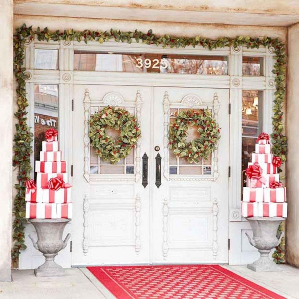 50 Creative Christmas Front Porch Decor Ideas And Design (25)
