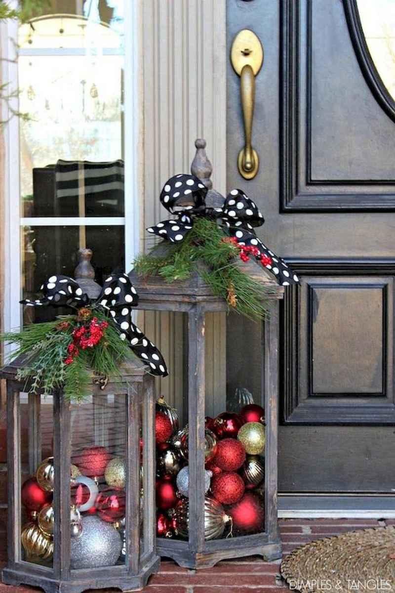 50 Creative Christmas Front Porch Decor Ideas And Design (29)