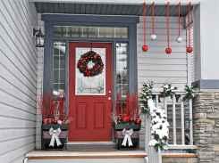 50 Creative Christmas Front Porch Decor Ideas And Design (37)
