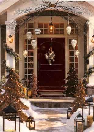 50 Creative Christmas Front Porch Decor Ideas And Design (38)