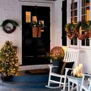 50 Creative Christmas Front Porch Decor Ideas And Makeover (27)